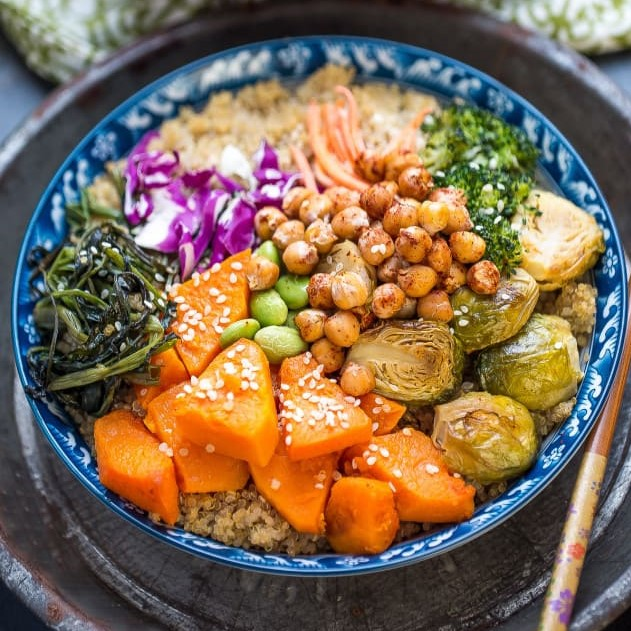 Roasted-Vegetable-Buddha-Bowls-make-the-perfect-healthy-meal2-e1453719803659